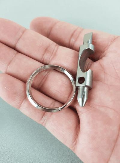 Móc khóa EDC - Tô vít 2 đầu kiêm mở nắp chai Titan (kèm ring thép 30mm)
