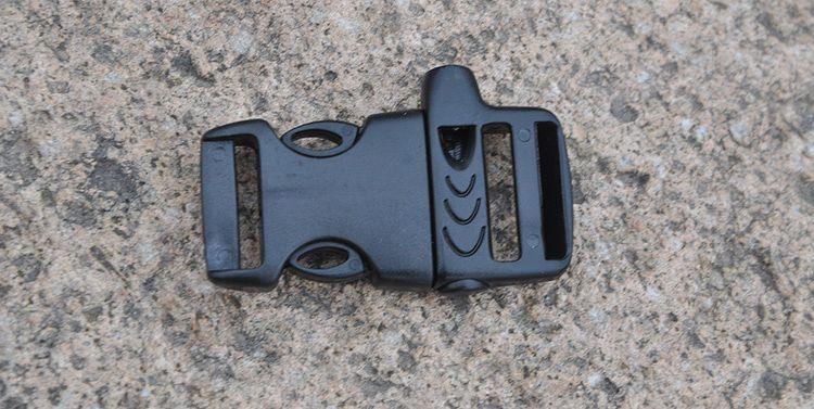 Khóa nhựa Paracord - Kèm Còi (Màu đen 5.5cm)