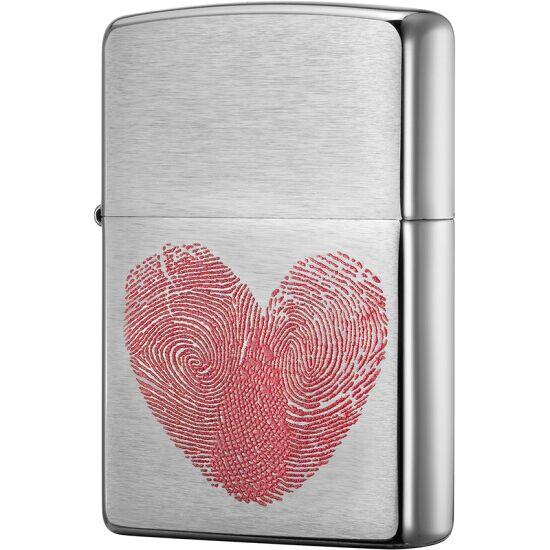 Zippo 29068 - Vỏ Chrome Hình Vân tay trái tim đỏ trên thân (Heart Thumbprints)