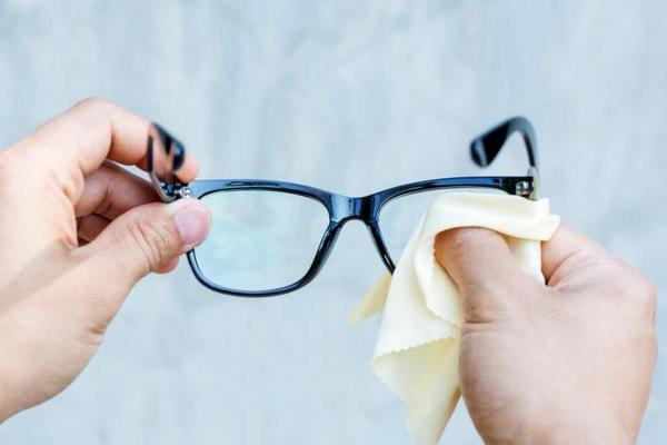 khăn lau kính