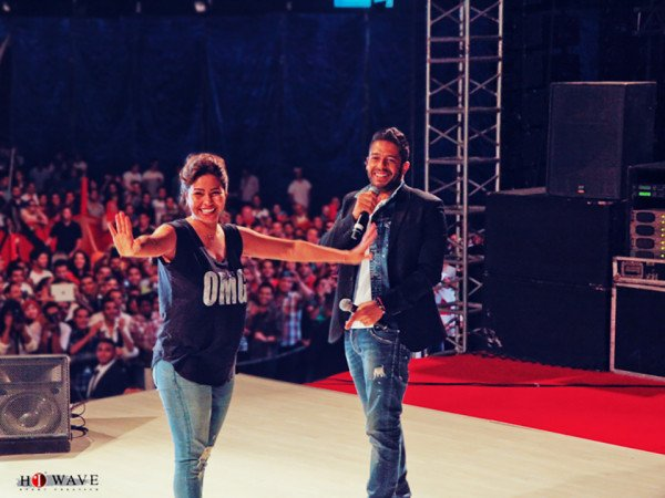 Mohamed Hamaki & Nicole Saba live at  Ahram Canadian University in Cairo