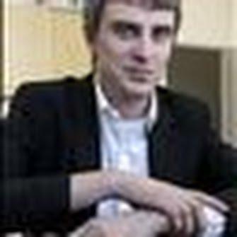 Howard Amos