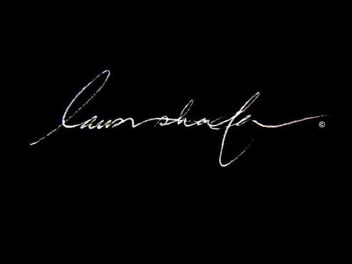 laura shafer's Signature