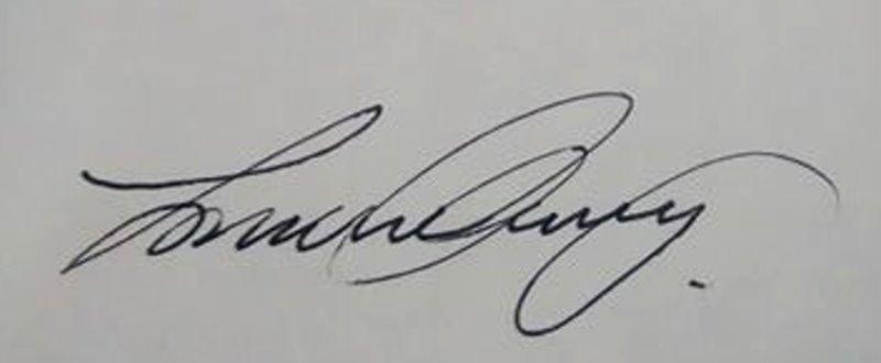 LORRAINE CLIVERY's Signature
