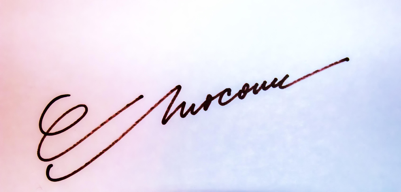 CARMEN MOCANU's Signature