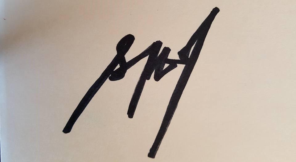 kat Tecson valcourt's Signature