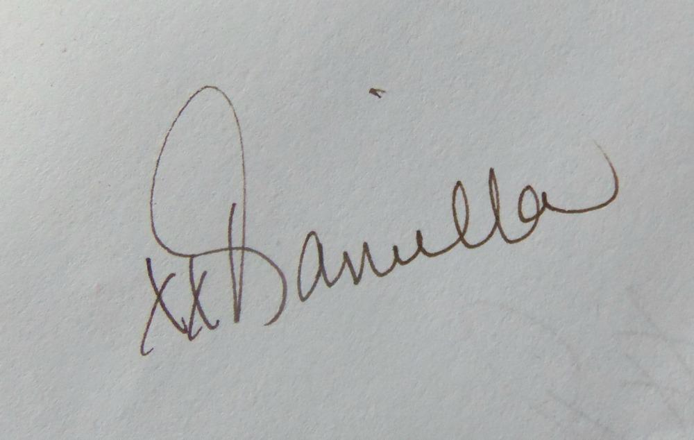 Daniella Hayes's Signature