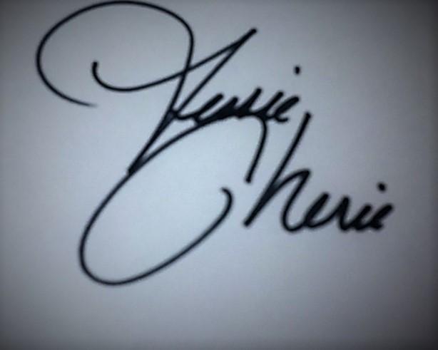 Jessie Cherie's Signature
