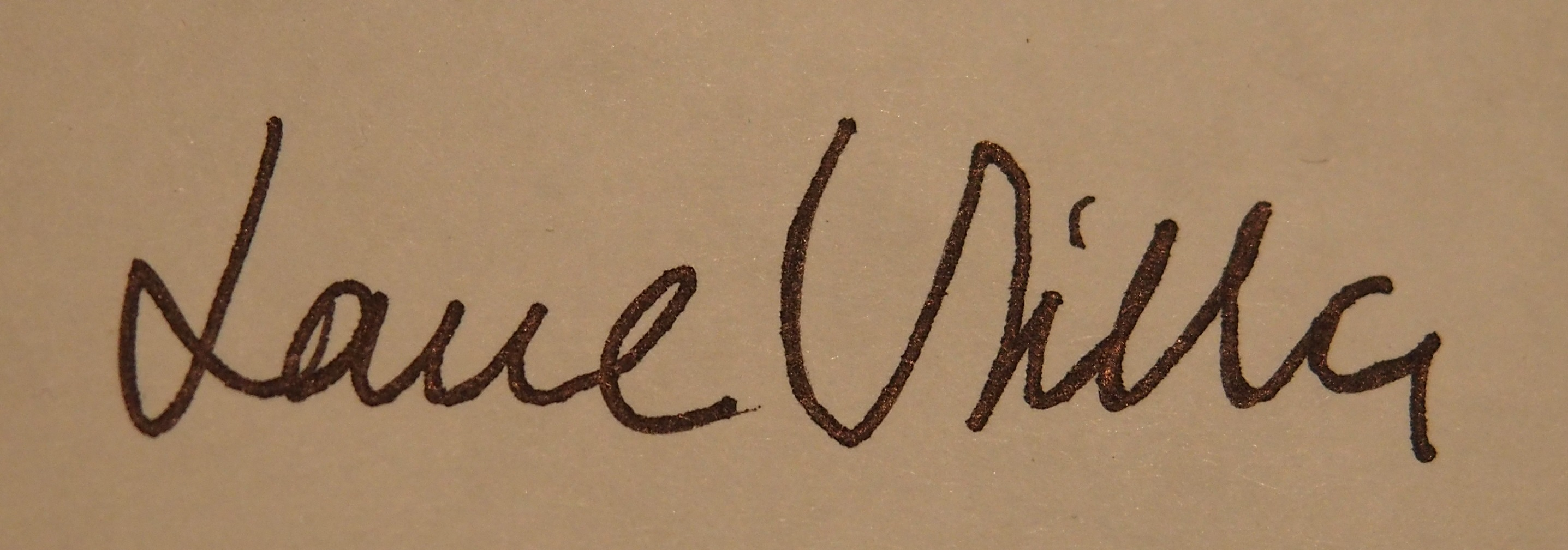 louise villa's Signature