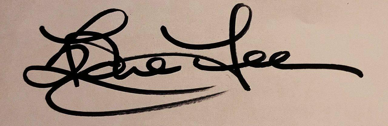 Edie Lee Art's Signature