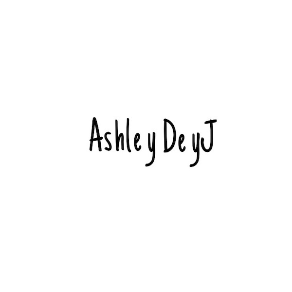 Ashley DeyJ's Signature