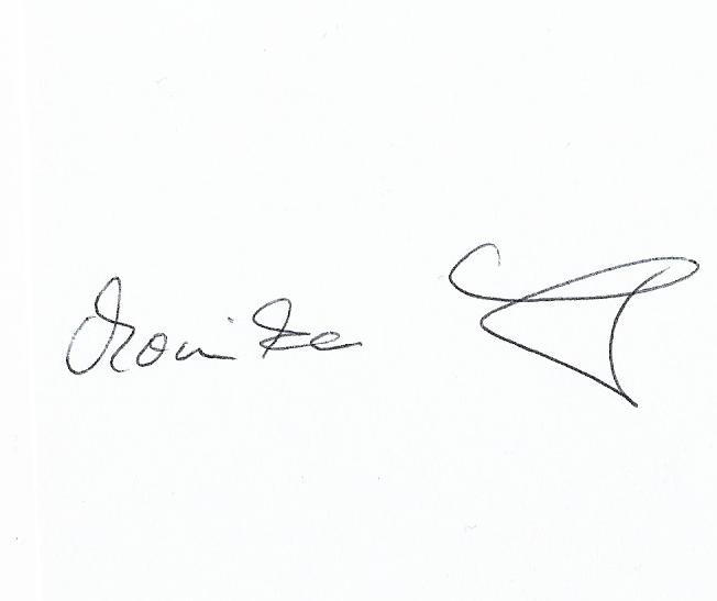 monika leonhardt's Signature