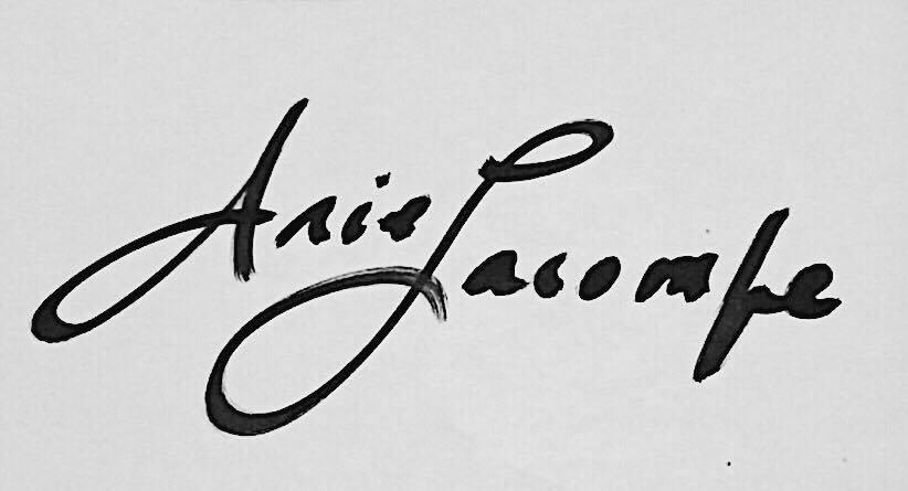 Ariel lacombe's Signature