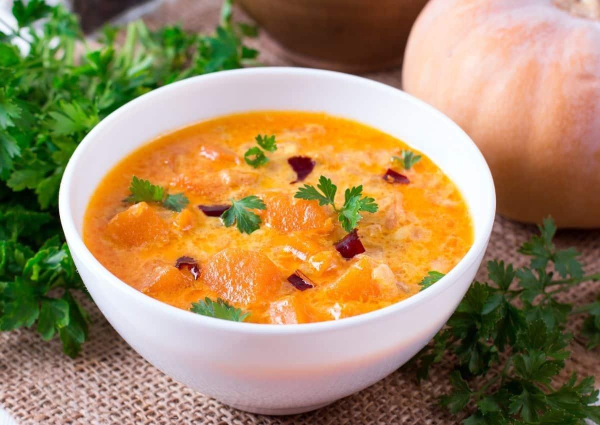 Thai pumpkin and coconut curry