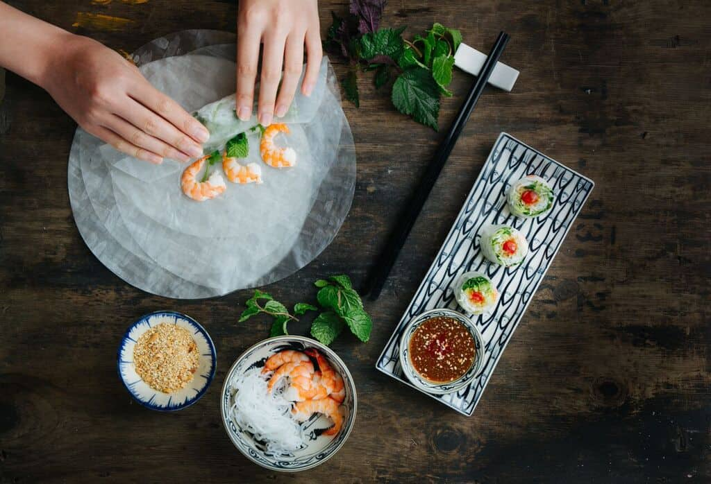 Fresh Summer Rolls w: tiger prawns - Pho and Bun