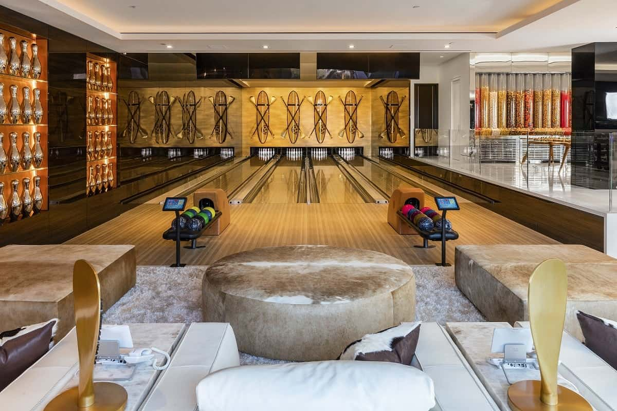 "This £200 million mansion described as ""the eighth wonder of the world"" has been unveiled. See SWNS story SWMANSION; The staggering home in Los Angeles has 12 bedroom suites, 21 bathrooms, three kitchens, five bars and a 40-seat cinema. 924 Bel Air also has more than 100 curated art installations and a garage filled with $30 million of classic and modern cars. It is the work of property developer Bruce Makowsky and at $250 million is one of the world's most expensive houses."