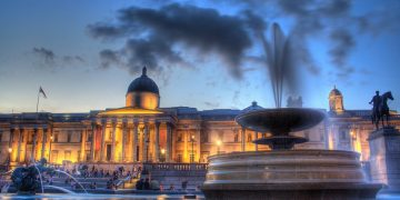 Maurice Follow The National Gallery on Trafalgar square