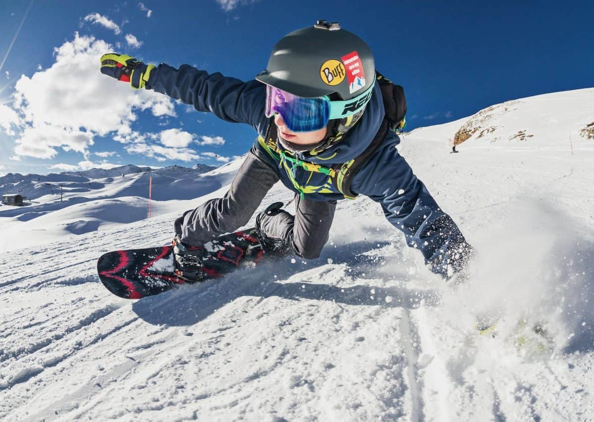 Guide Beginner Snowboarding Tips In The Canadian Rockies
