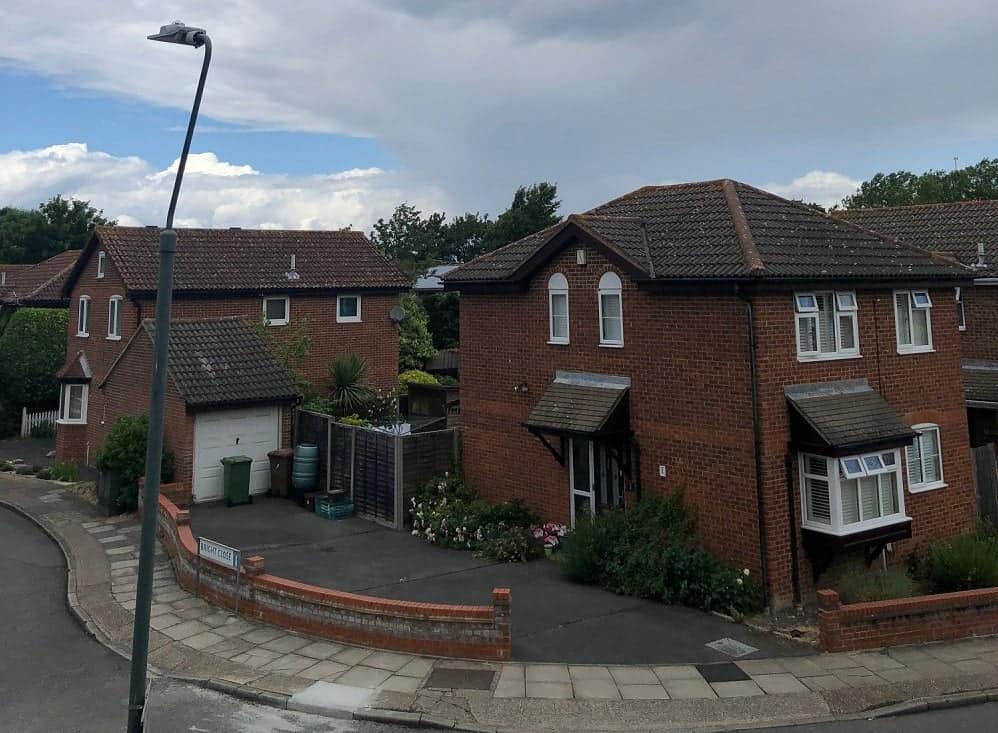 Detached houses - TLE