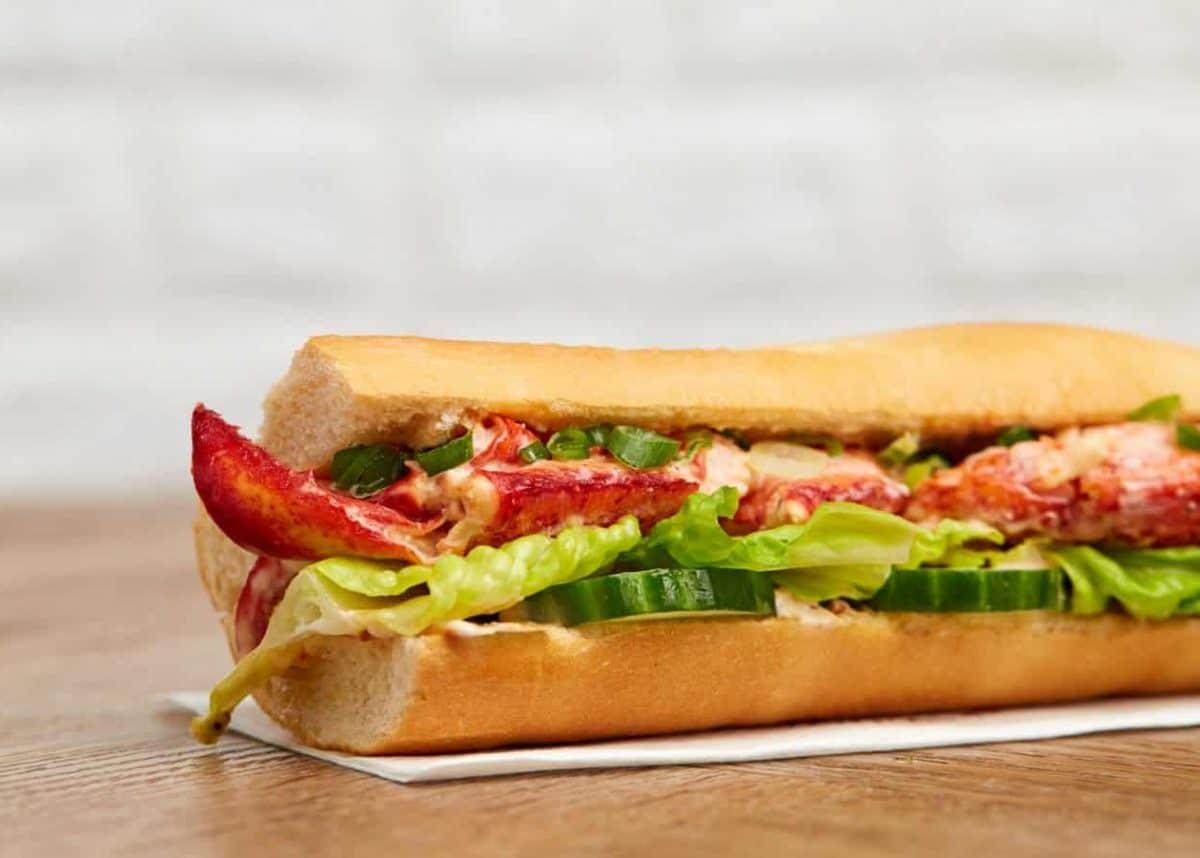 Pret Lobster Roll