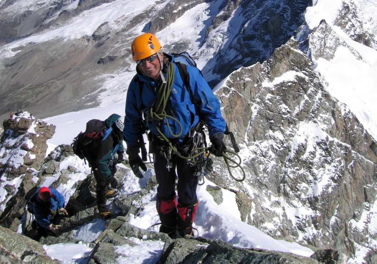 Himalayas death on unscaled peak
