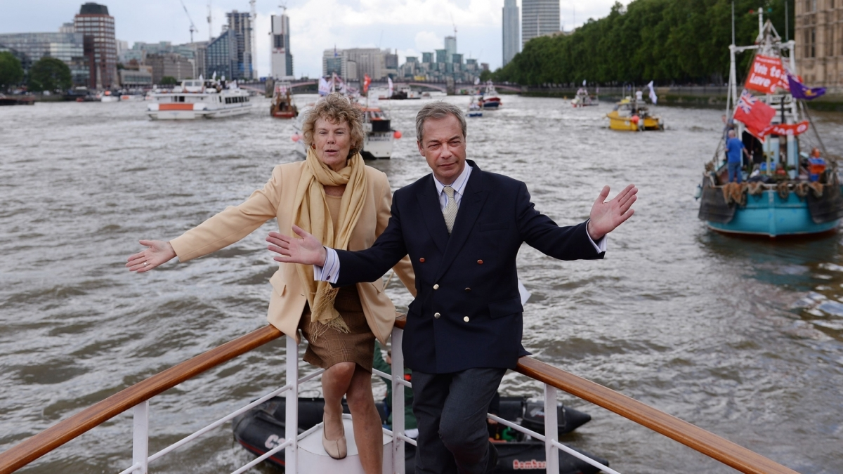 Kate Hoey and Nigel Farage campaigning for pro-Brexit group Fishing for Leave before the 2016 EU Referendum (PA)