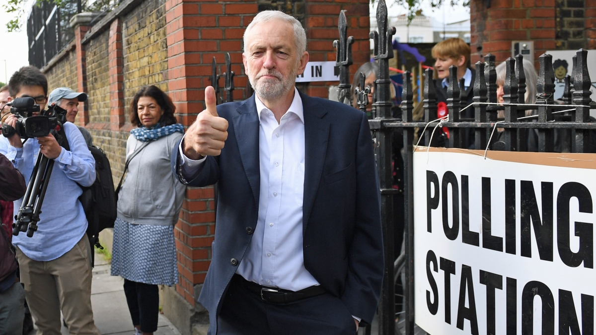 Jeremy Corbyn 'very sorry' over Labour party anti-Semitism