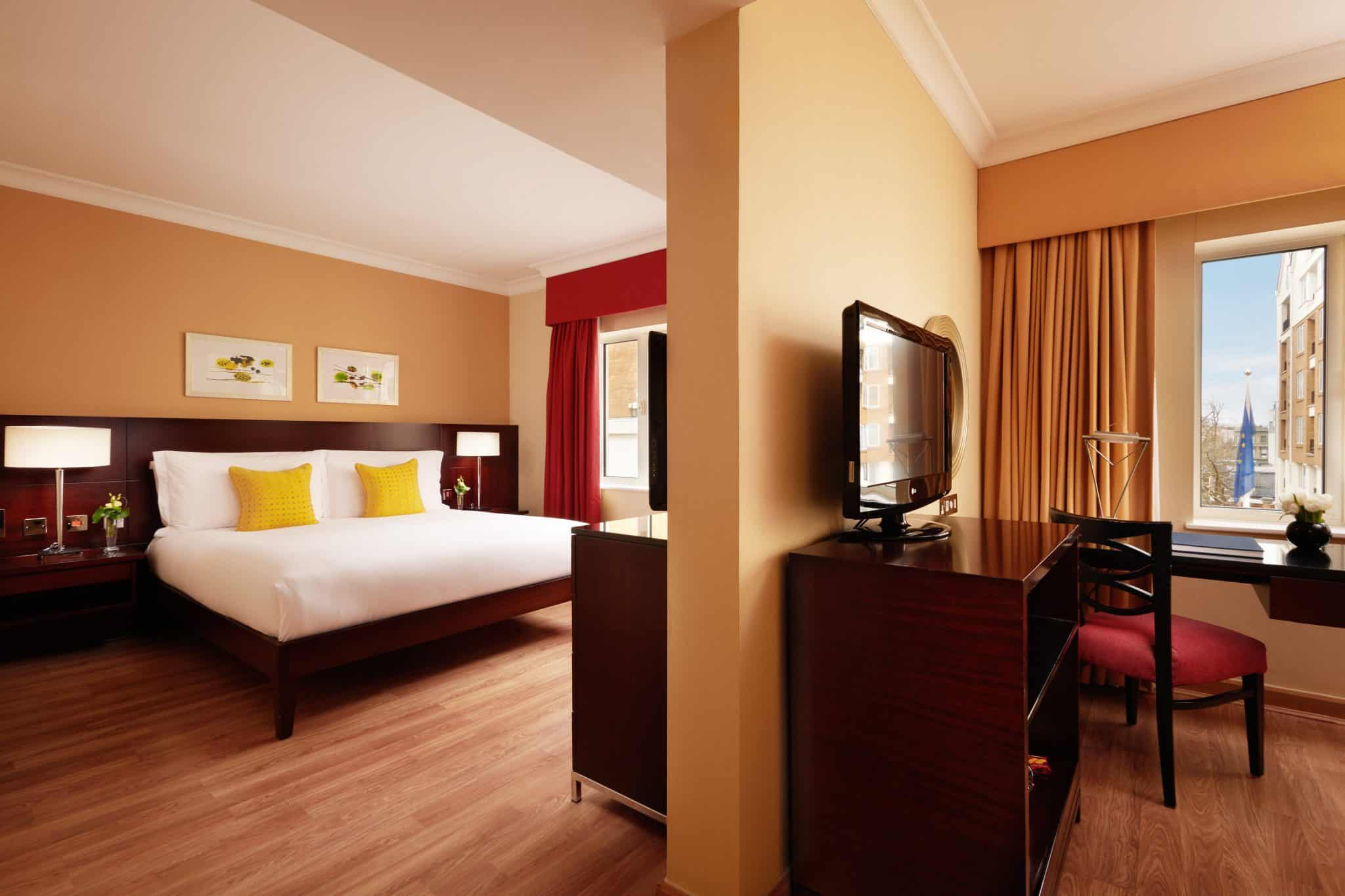Chelsea Harbour Hotel suite