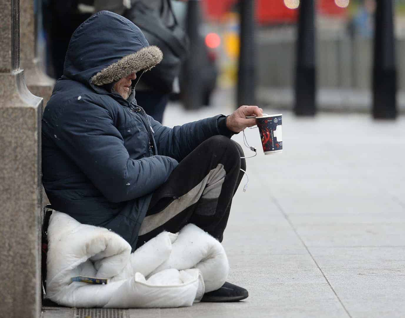 'Homeless people must be housed by the weekend'