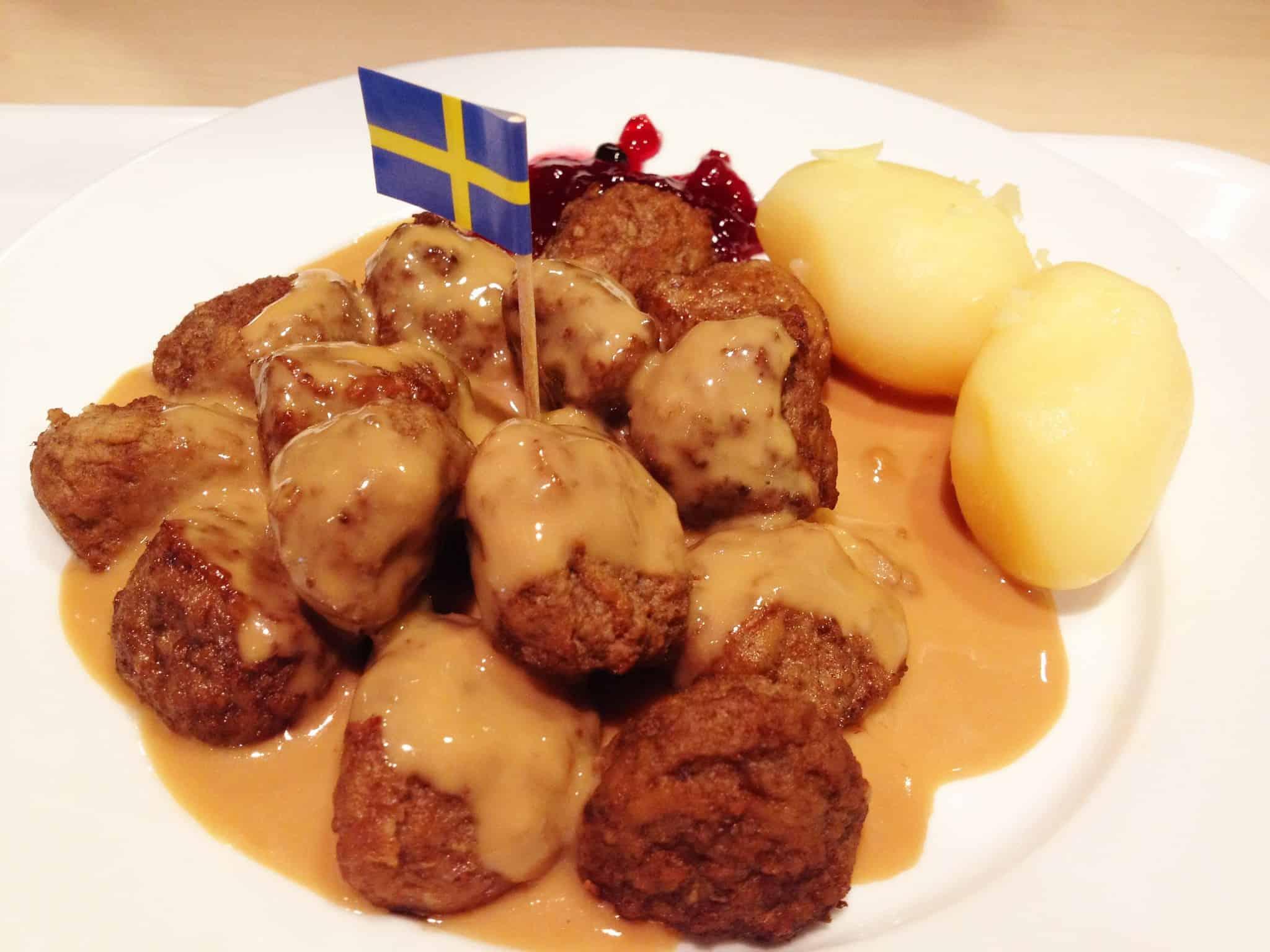IKEA's Swedish meatballs | Photo: © Karl Baron / Flickr fast food