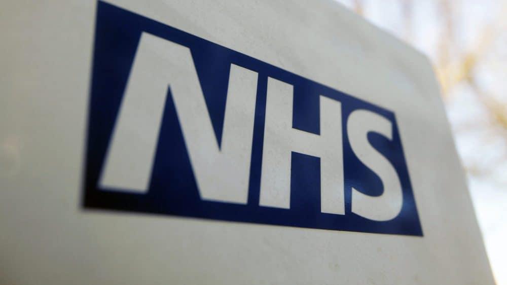 Doctor who warned British gov't of equipment shortage dies of coronavirus