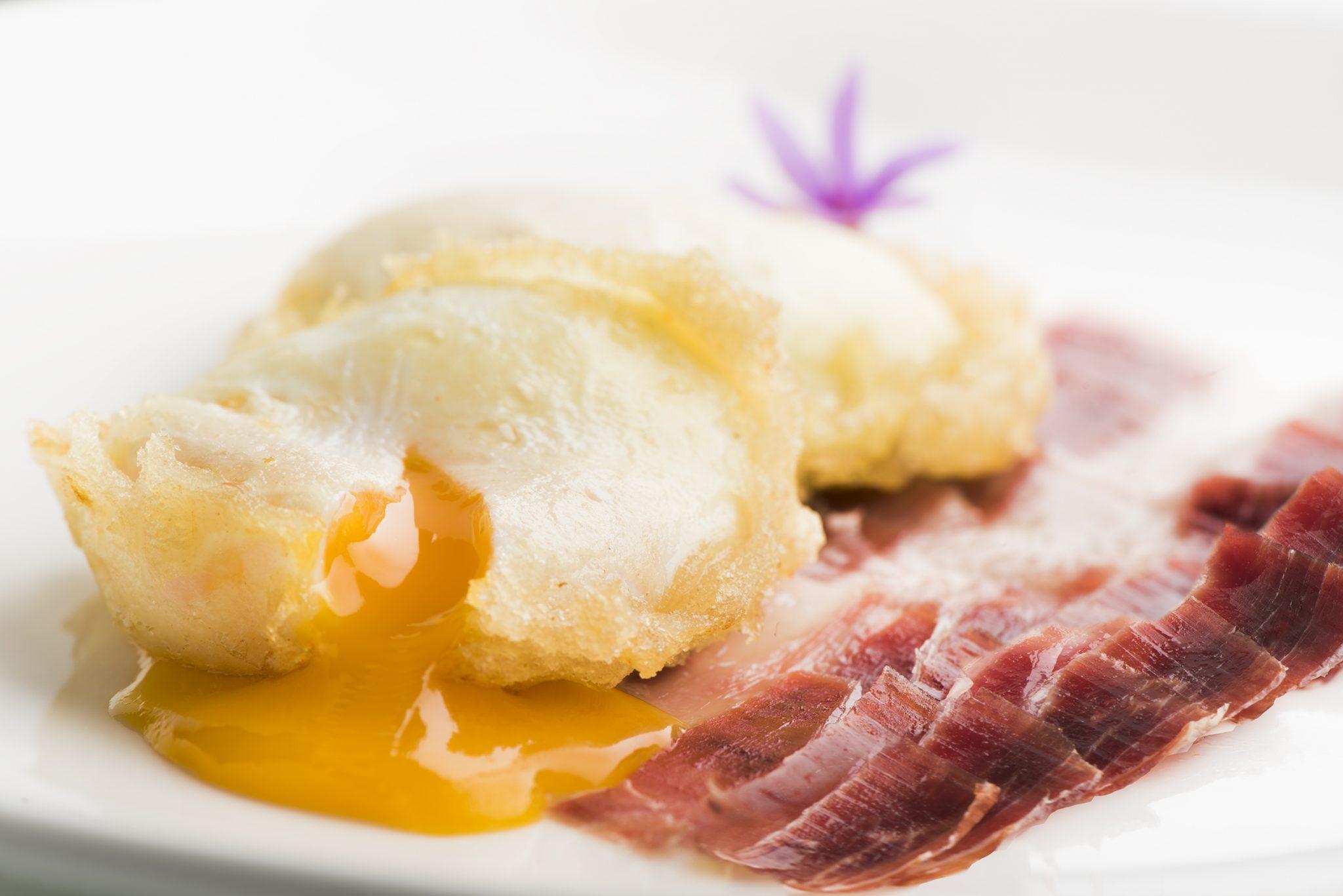 Tempura style eggs with Iberico ham 2