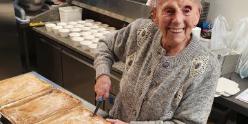 Flo Osborne who has made pies for hungry children. Credit SWNS