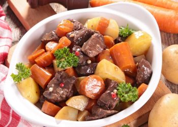 How To Make: Red Wine Beef Stew with Carrots and Potatoes