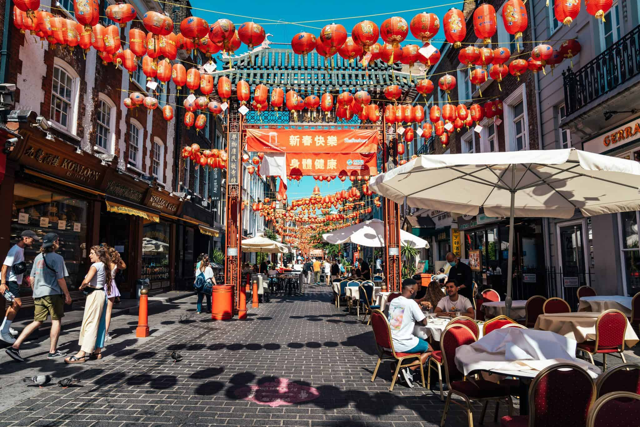 Chinatown outdoor dining al fresco terrace | Photo: @haydonperrior