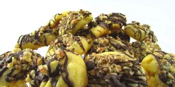 How To Make: Pecan Chocolate Shortbread
