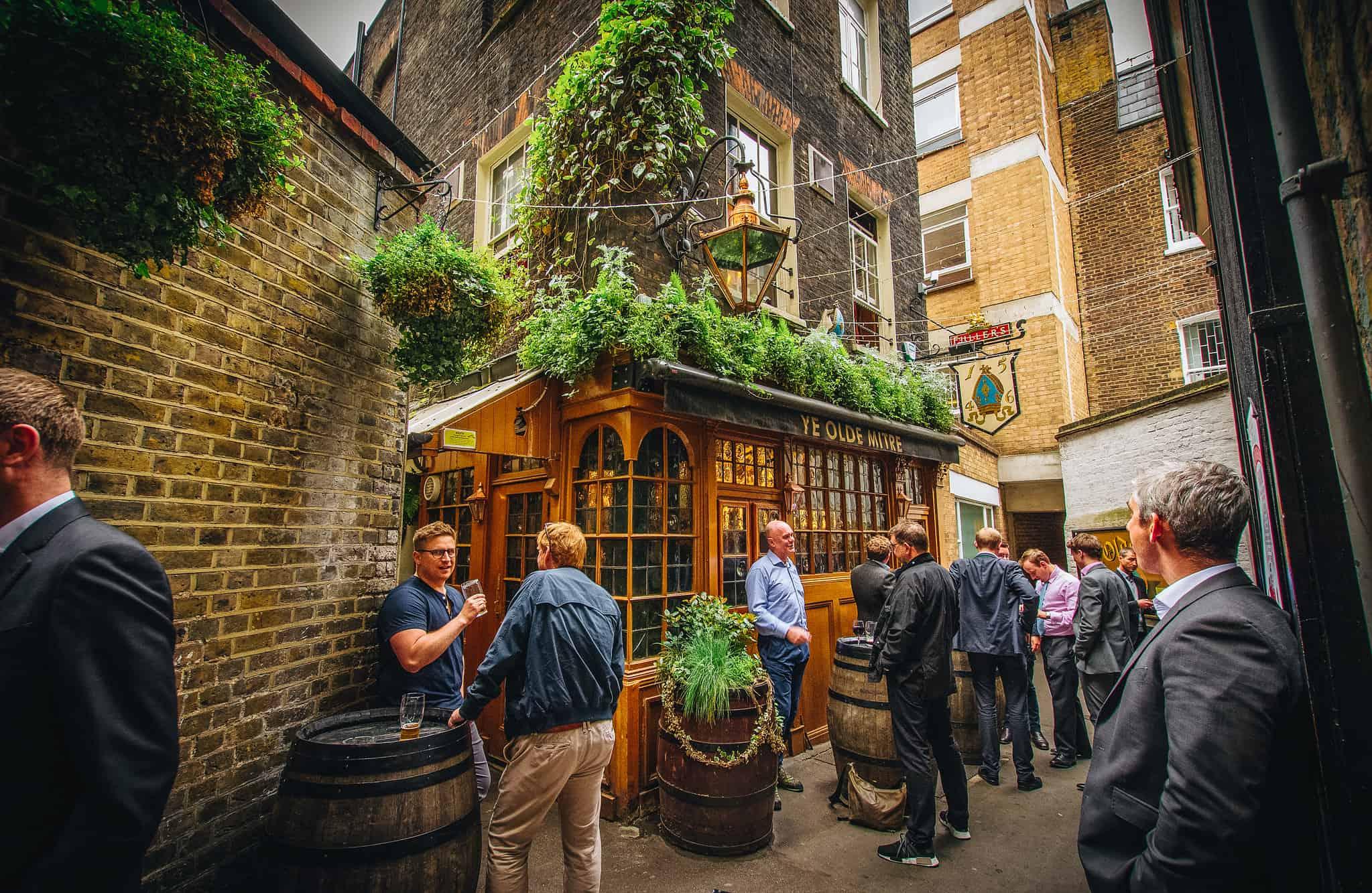 Ye Olde Mitre, best pubs in Central London | Photo: Viv Lynch / Flickr