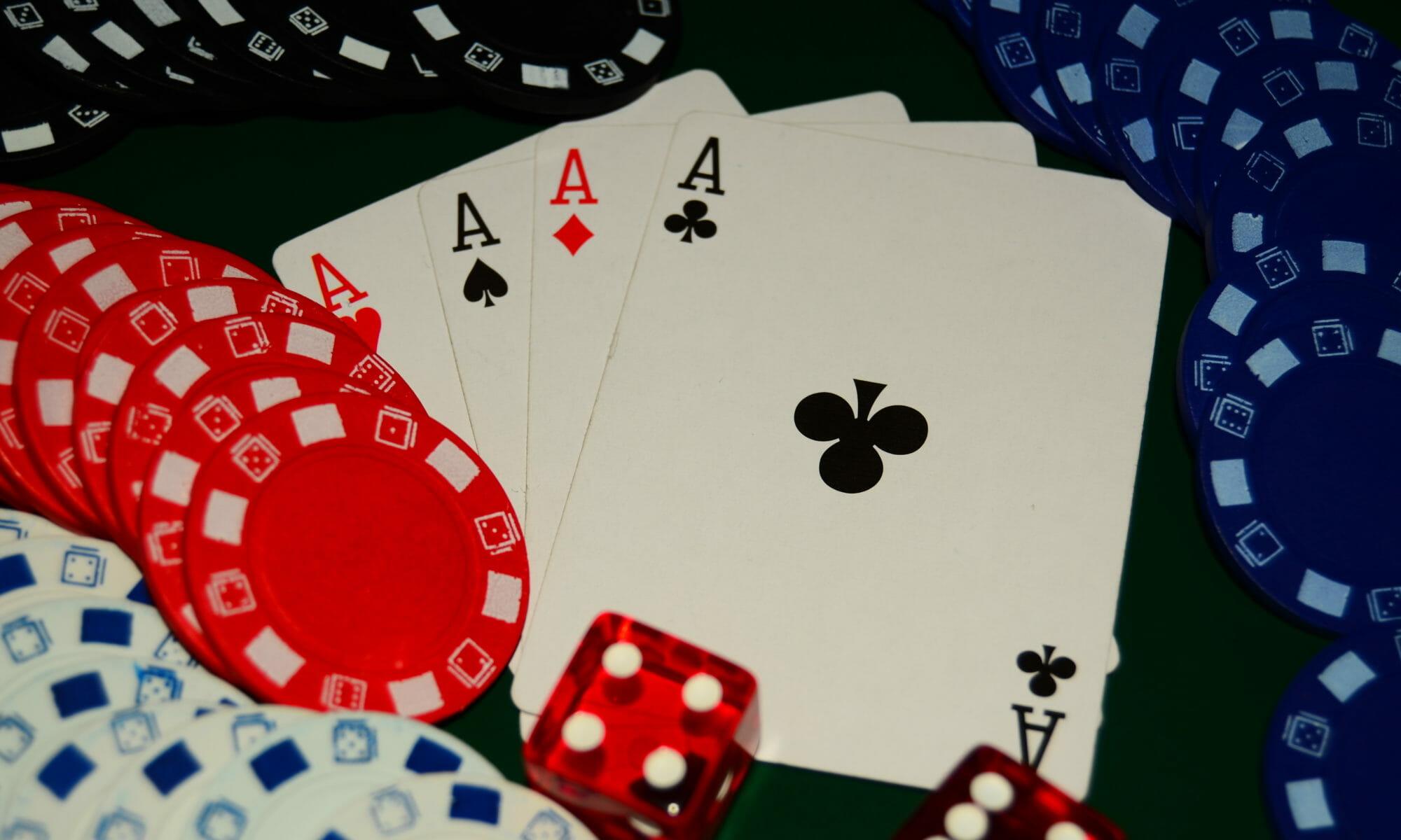 aces-poker-hand-2000x1200.jpg