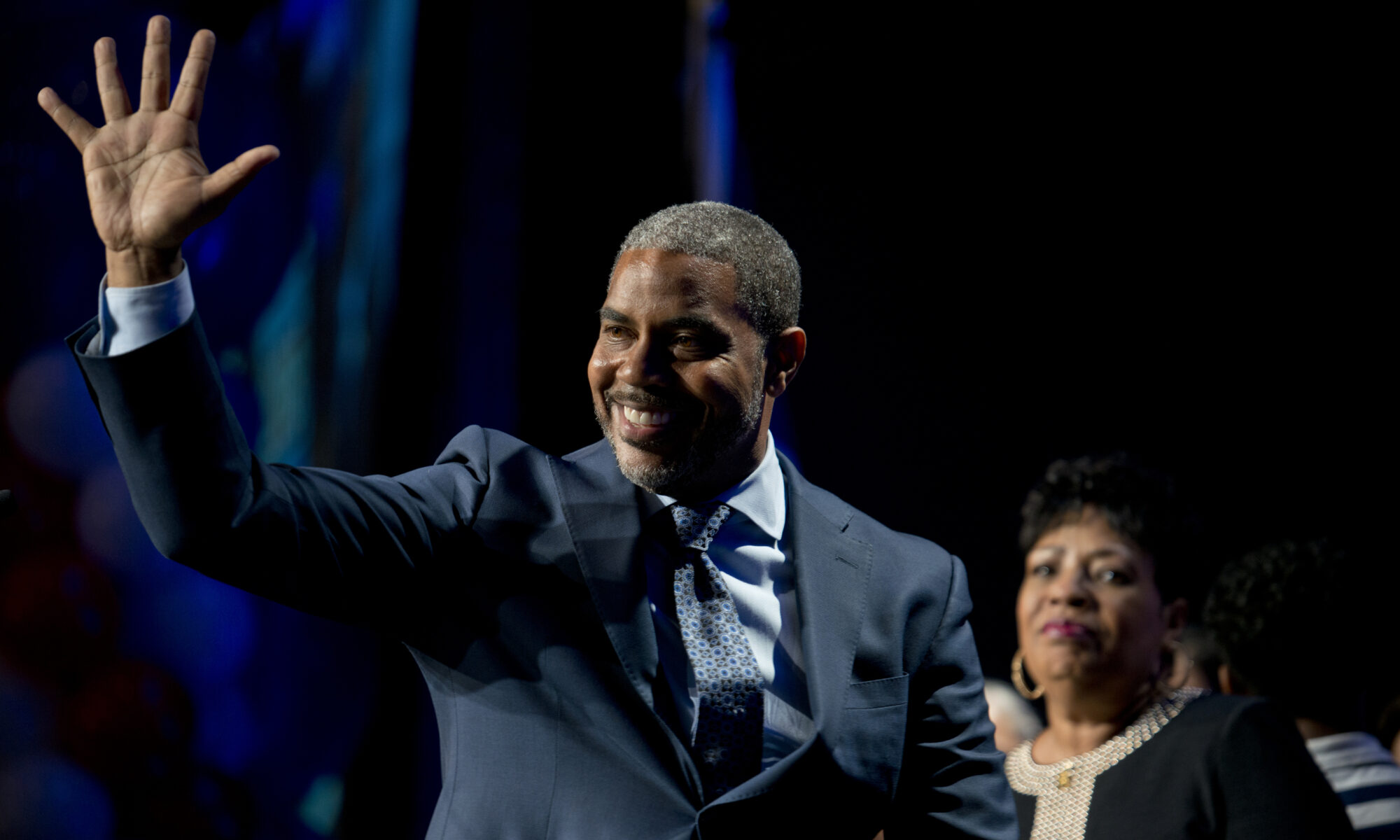 Steven Horsford waiving to a crowd