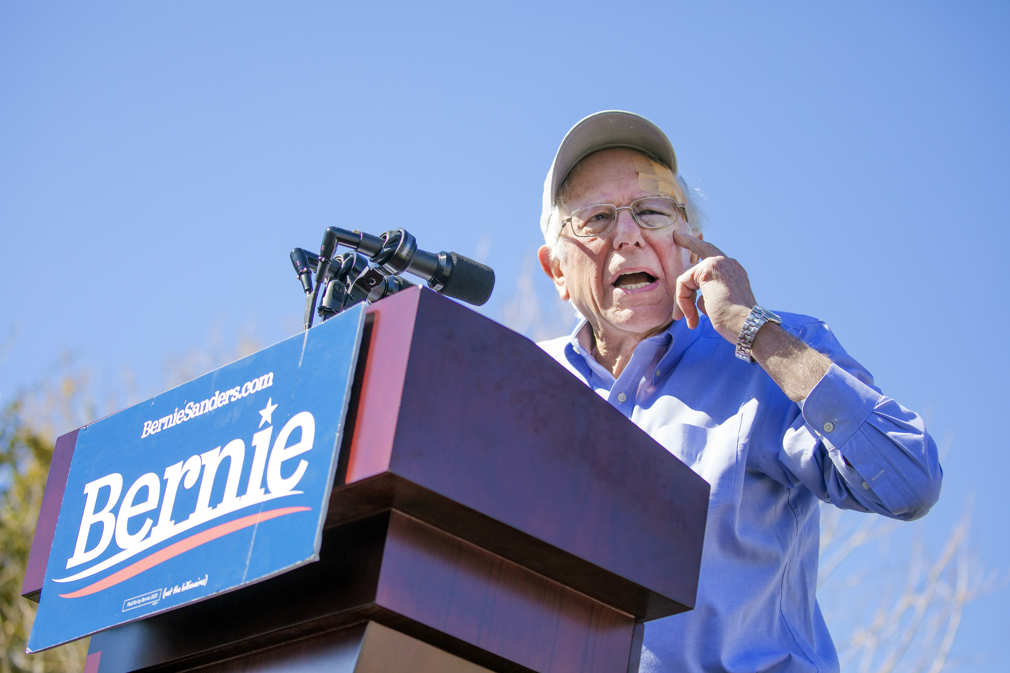 Sanders draws big crowd — and some protesters — to first ...