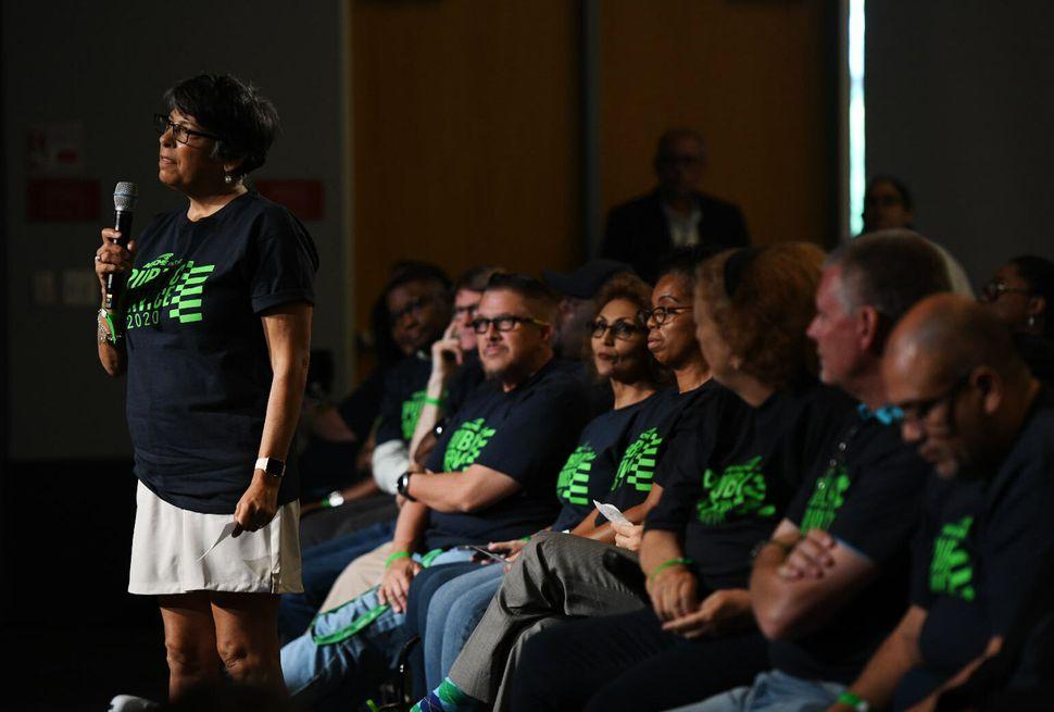 Union member speaks at forum