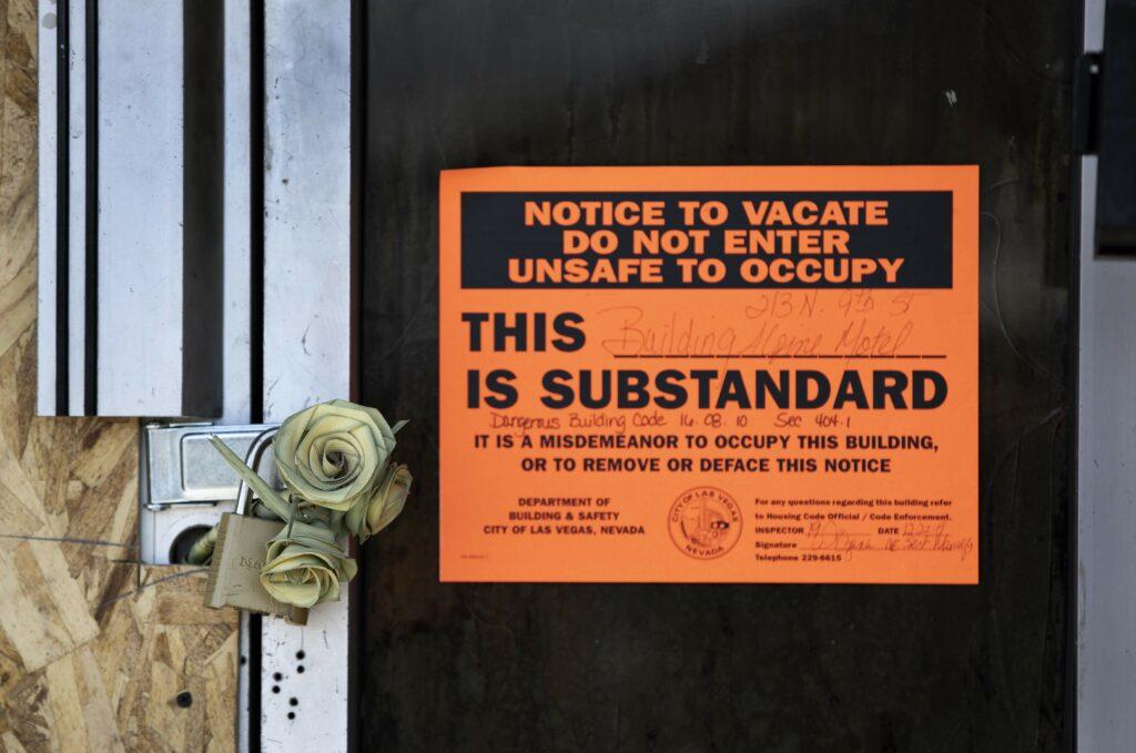 Do not enter Sign on Alpine Motel