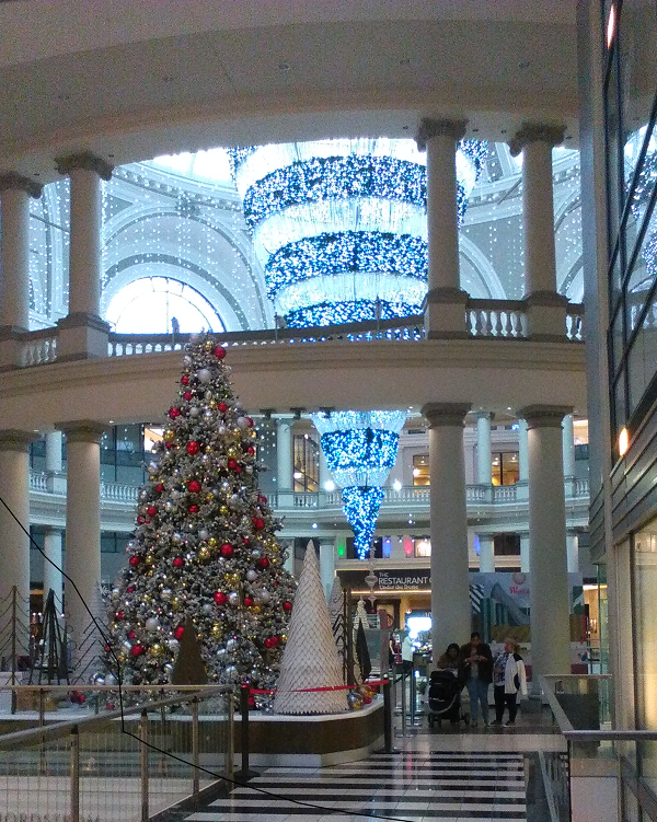 Bloomingdales Christmas decorations