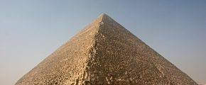 Kheops-Pyramid by Nina at the Norwegian bokmal language Wikipedia
