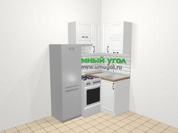 Угловая кухня из массива дерева в скандинавском стиле 5,0 м², 160 на 100 см, Белые оттенки, верхние модули 72 см, холодильник, отдельно стоящая плита