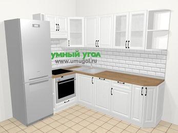 Угловая кухня из массива дерева в скандинавском стиле 6,6 м², 190 на 240 см, Белые оттенки, верхние модули 72 см, посудомоечная машина, встроенный духовой шкаф, холодильник