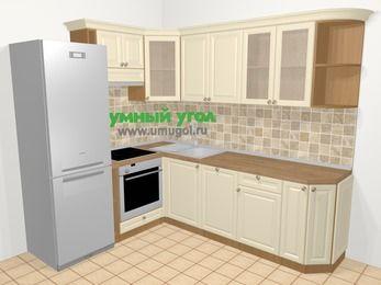 Угловая кухня из массива дерева в стиле кантри 6,6 м², 190 на 240 см, Бежевые оттенки, верхние модули 72 см, посудомоечная машина, встроенный духовой шкаф, холодильник