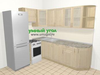 Угловая кухня из массива дерева в классическом стиле 6,6 м², 190 на 240 см, Светло-коричневые оттенки, верхние модули 72 см, посудомоечная машина, холодильник, отдельно стоящая плита