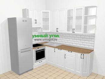 Угловая кухня из массива дерева в скандинавском стиле 6,6 м², 190 на 240 см, Белые оттенки, верхние модули 92 см, посудомоечная машина, встроенный духовой шкаф, холодильник