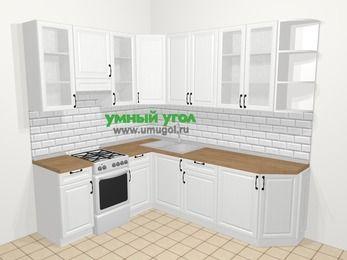 Угловая кухня из массива дерева в скандинавском стиле 6,6 м², 190 на 240 см, Белые оттенки, верхние модули 92 см, отдельно стоящая плита